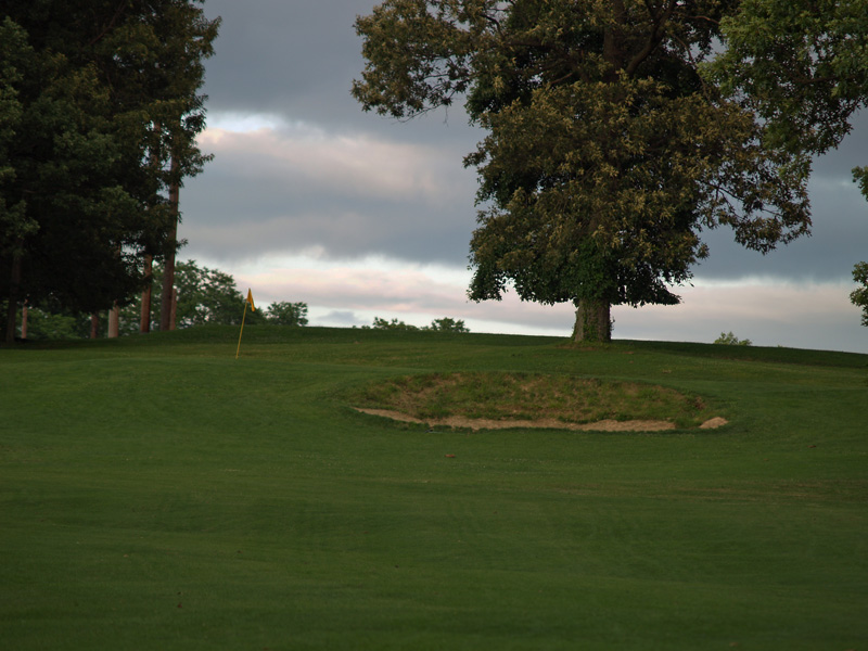 View of eighteenth hole from about 100 yrds. Click to enlarge