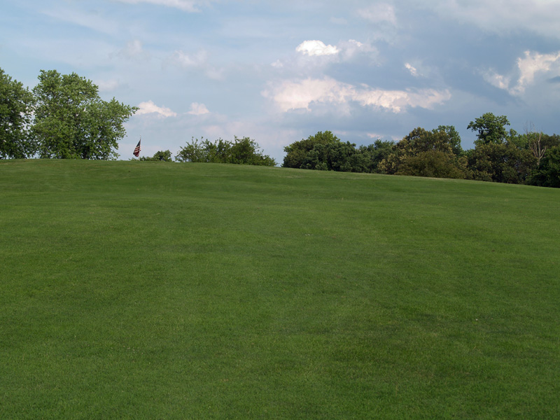 View of nineth hole uphill toward the green from about 160 yrds. Click to enlarge